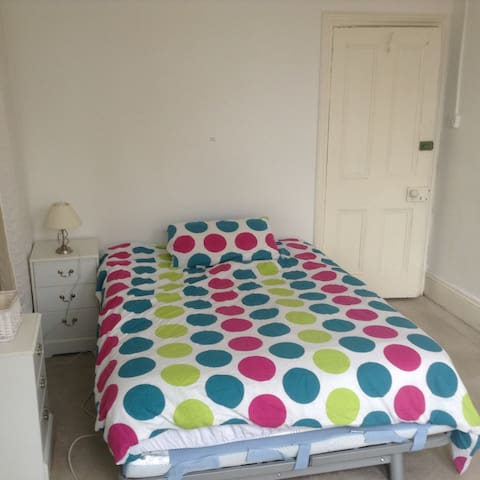 Double Bed No 1