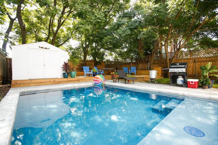 Perfect Family Getaway off Freret w/Saltwater Pool