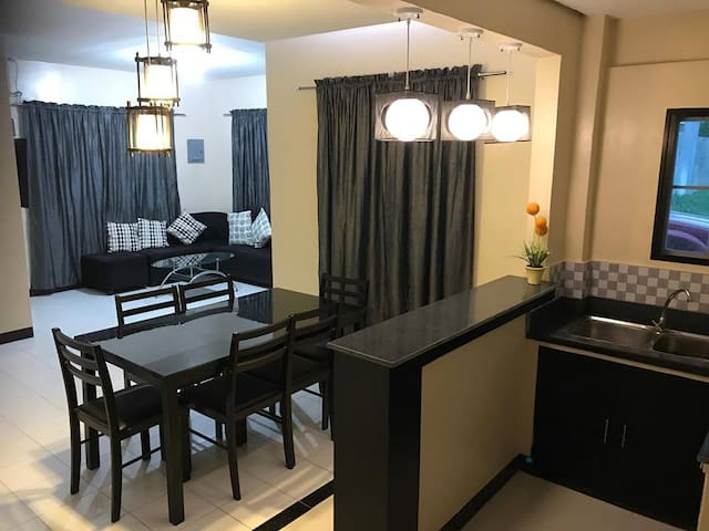 Clean, Cozy & Secured near Airport & SM Mall
