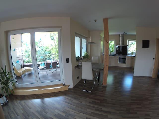 Entspannen in moderner großer Wohnung