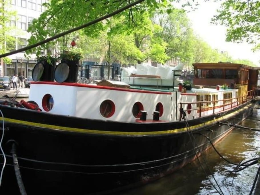 Room on a houseboat with own entrance boats for rent in for Airbnb amsterdam houseboat