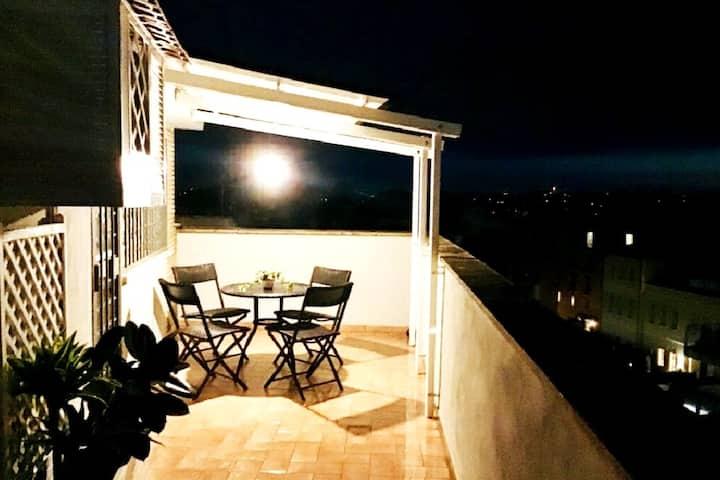 Delizioso attico sui tetti di Monteverde, Roma