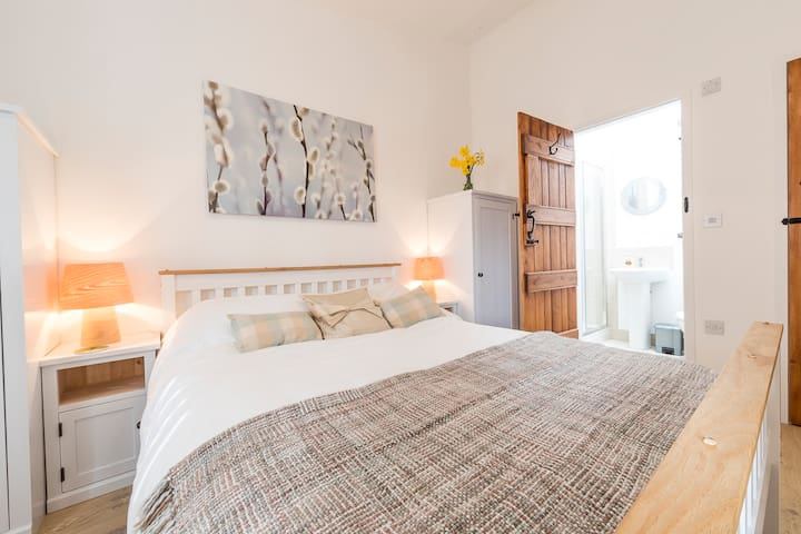 The Old Dairy No 1 - Luxury,  Pet Friendly Cottage