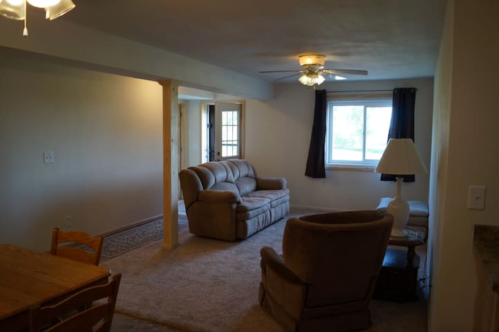 Cozy Country Apartment  5 Minutes from Nauvoo
