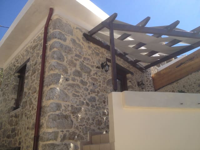 Villa Petrinos B - Mirthios - Rumah