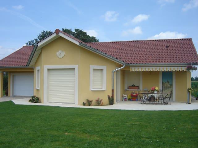 Maison 25km de Lyon - Genay - บ้าน