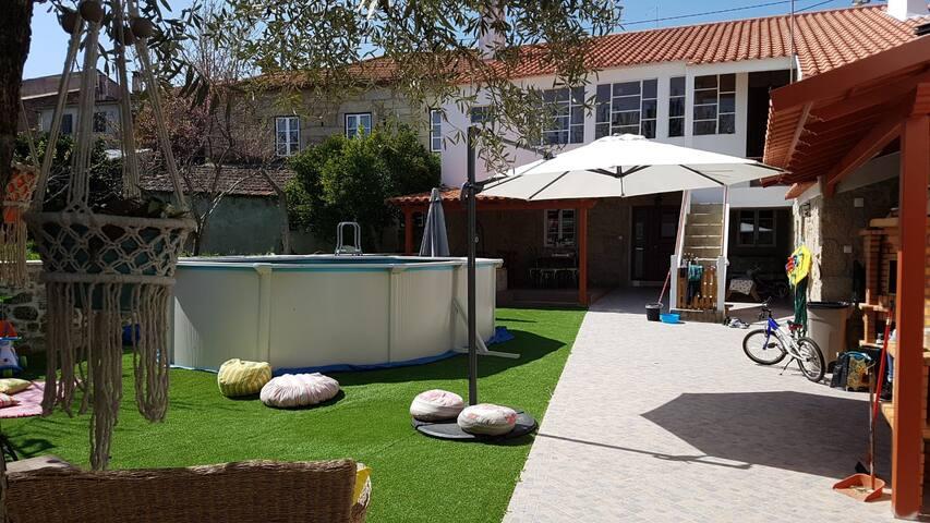 Casa dos Póvoas Pool and Barbecue