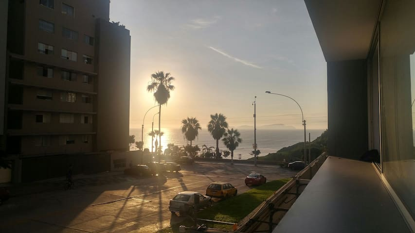 Perfect location full commodities king bed new apt - Barranco District - Huoneisto