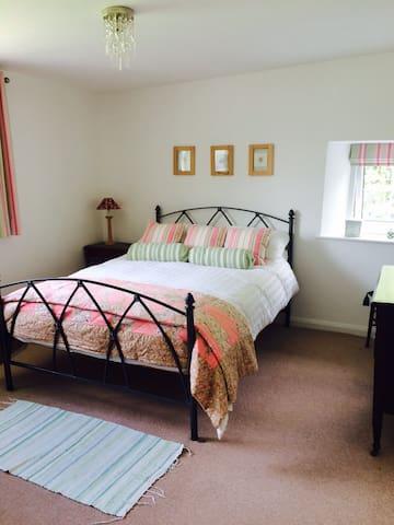 Bedroom 2- double.