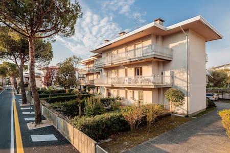 Delizioso appartamento in zona tranquilla - Lignano Sabbiadoro - Wohnung