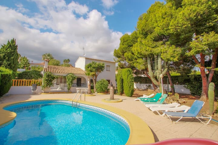 Condelmar - modern villa close to the beach in Calpe
