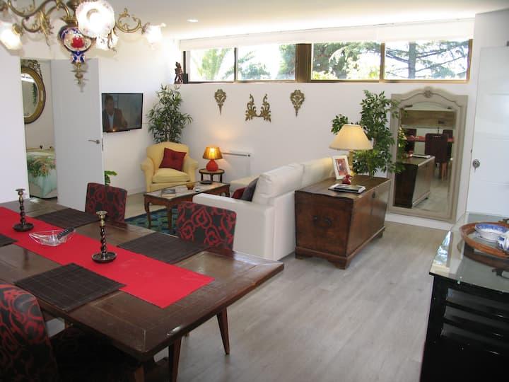 Spacious ground floor apartment in Villa gardens.
