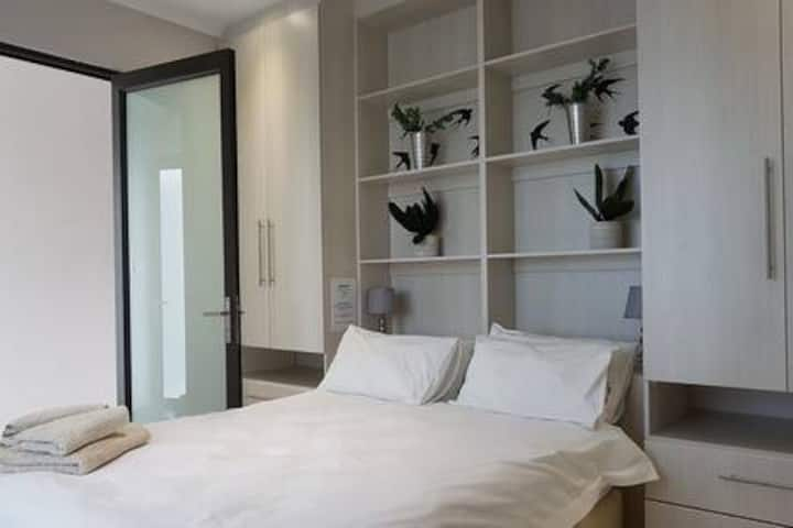Rieks Luxury Self Catering Windhoek Apartment 3