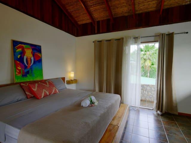 Cora's Reef Avellanas Couple's Room
