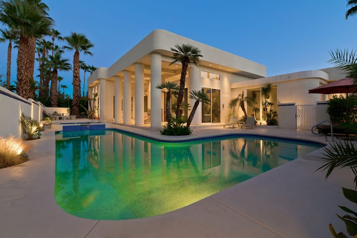 Luxurious desert Jewel