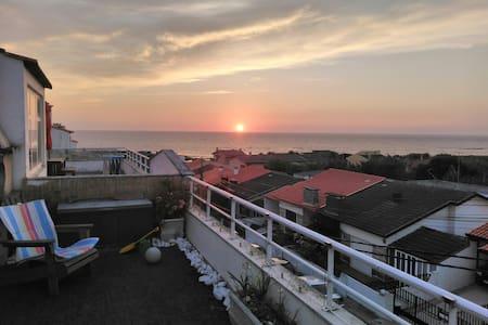 Vila Chã beach flat/terrace/sea views/snooker/2/4p