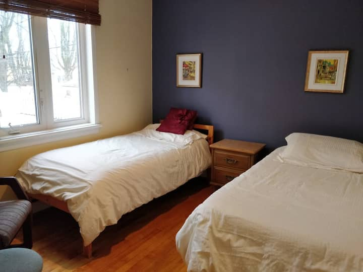 spacious room in Quebec near Laval University