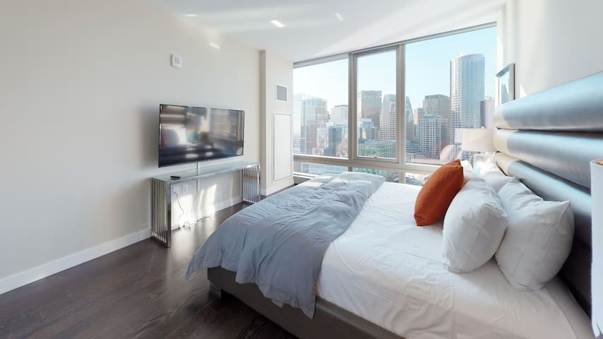 River North Waterside Condos 2BD/1BA