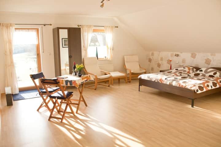 Schöne grosse Gästezimmer mit Balkon im Hunsrück