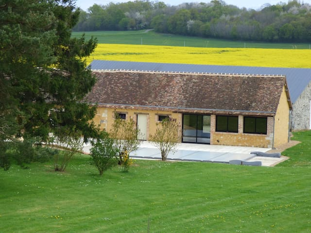 Farm in Normandy with heated pool - 2hr from Paris