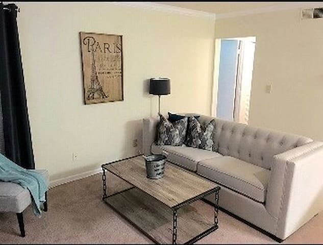 Beautiful 2BD/2BA Close to Maxwell Air Force Base - Montgomery - Lägenhet