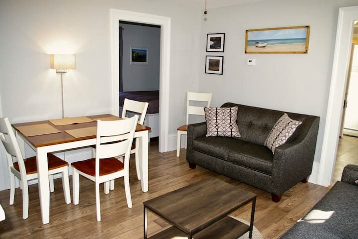 Downtown Mystic 2 Br Private Apartment