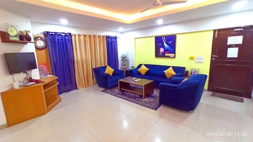 SmartStay Private EXE Room in Luxury Apts -MG Road