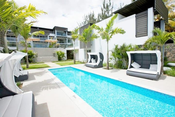Plage Bleue Premium Seaview Suite by Dream Escapes