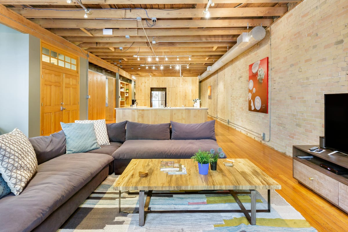 The Provident by Lodgewell >> Private Escape Downtown Austin