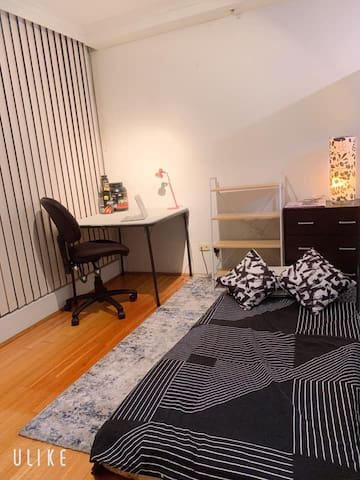Private living room for single in Sydney cbd