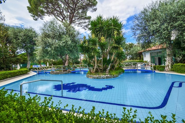Sorrento Pool&Suites - Hermes TPL