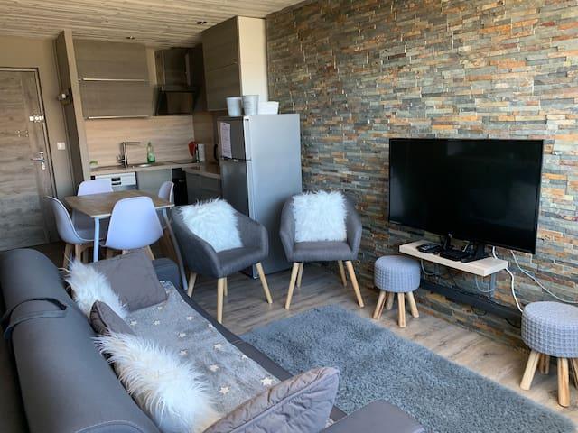 Appartement T2 Pra loup 1600 en duplex refait neuf