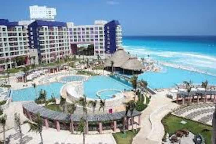 Captivating Cancun property ocean view