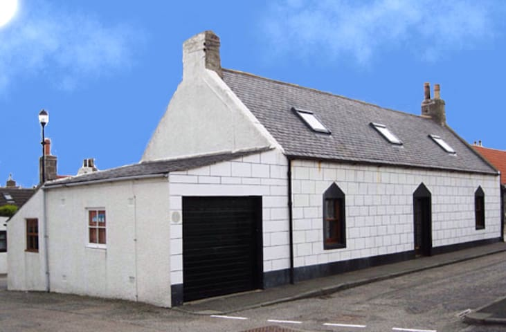 78 Seatown - Cullen - House