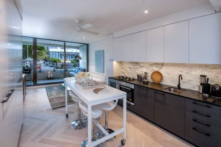 WMLOO-Luxury Studio With Parking in Woolloomooloo