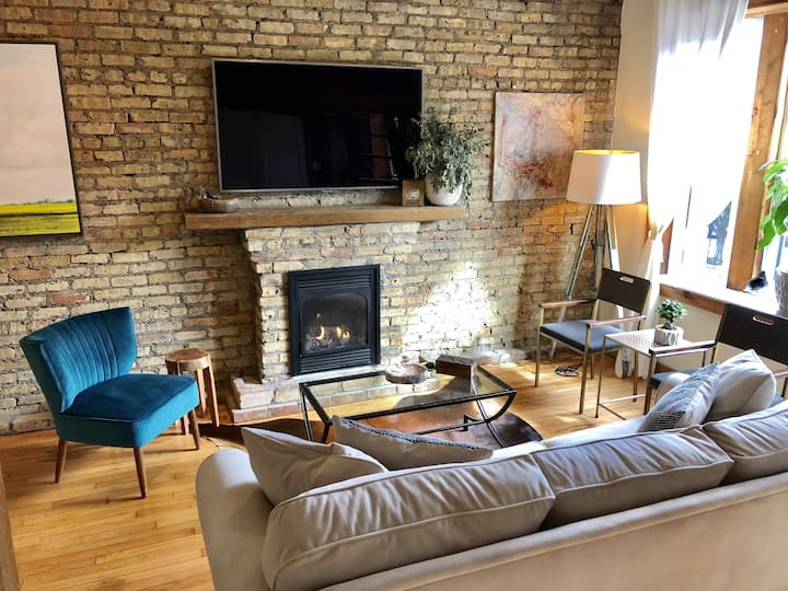 Brand New Designer Grace St Loft/Lakeview Chicago