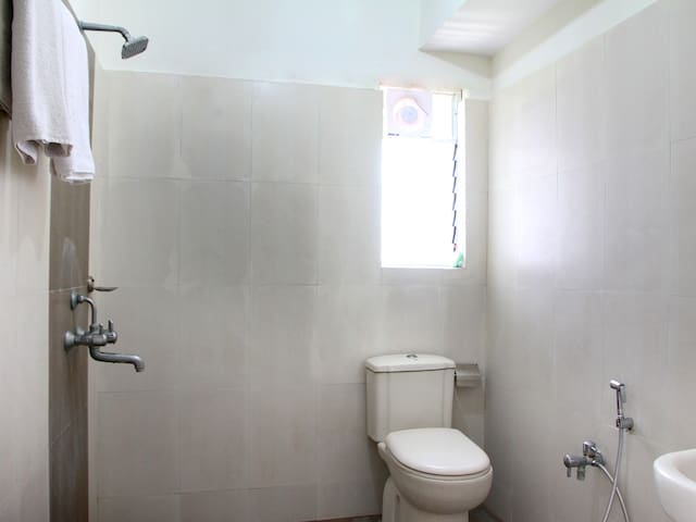 PRIVATE ROOM & SERVICE ROOM - Hyderabad - Bed & Breakfast