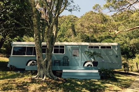 The Cape Escape Converted Bus - 포스터