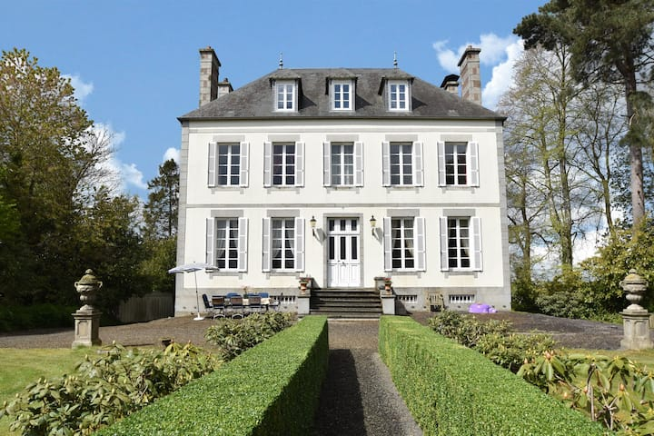 A royal holiday in a beautiful country house from 1880 with a beautiful garden