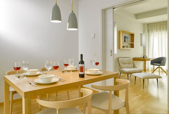 Scale Suites -Deluxe Residence - Alimos - Talo