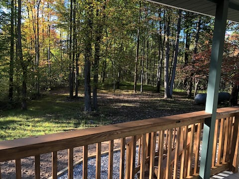 The Owl's Nest Cabin— 3 Minutes from Salt Fork