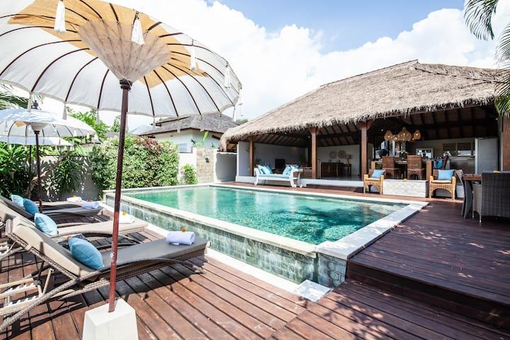Unwind at this 3BR & Private Pool Villa in Canggu