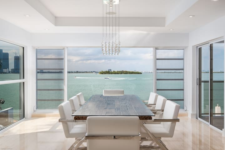 VENETIAN PALACE +SOUTH BEACH +MODERN +WATERFRONT - Miami Beach - Hus
