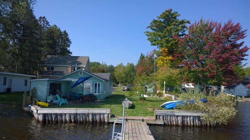 Portage Lake Relaxing Getaway
