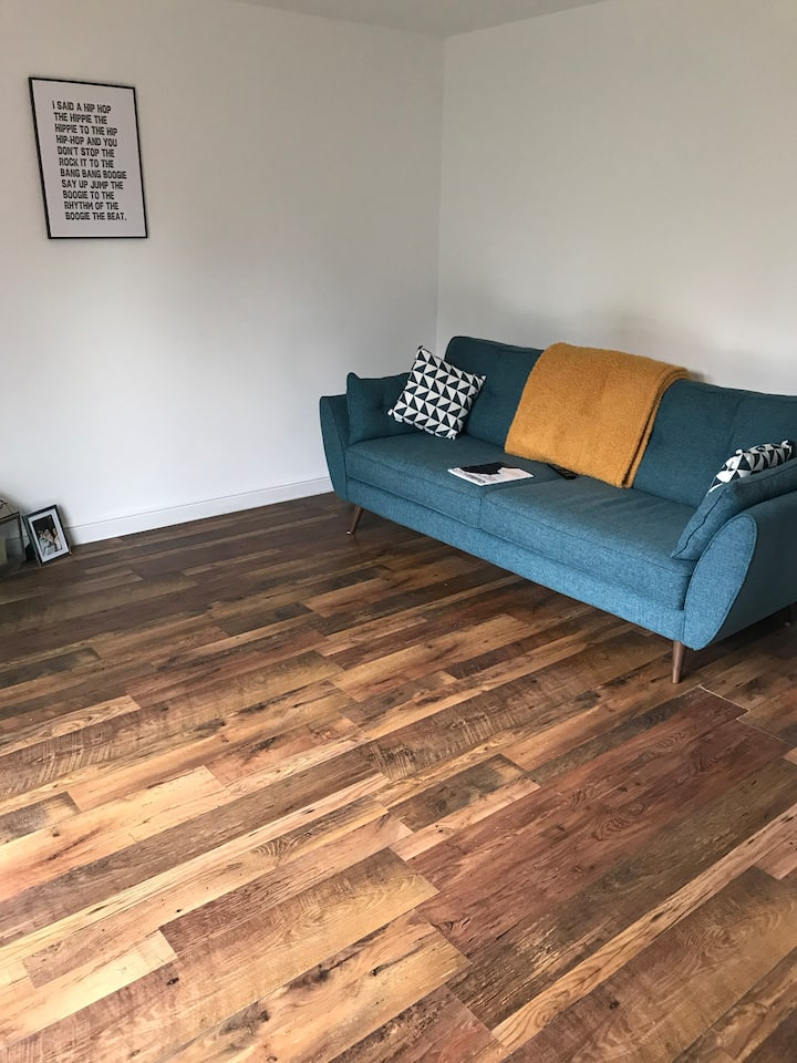 Own floor in Wakefield modern eclectic townhouse