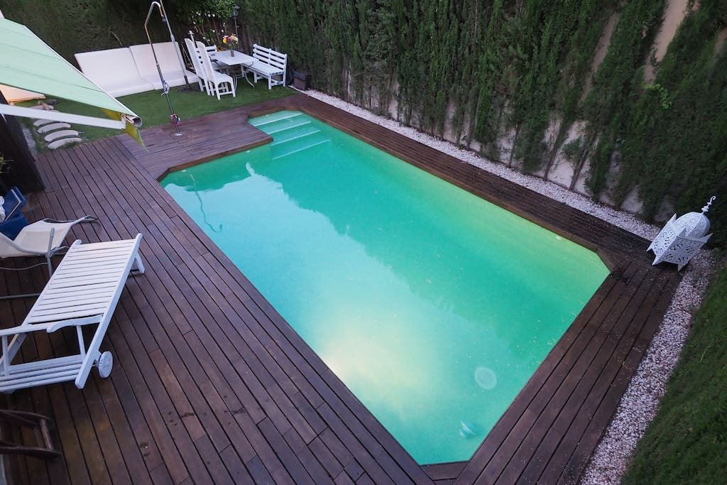 Private rooms and swimming pool in seville villas for - Swimming pool seville ...
