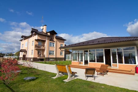 Деревня Комаровка - Komarovka - Dům