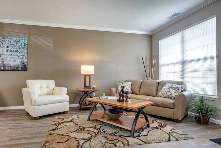 Everything you need | 3BR in Greenwood