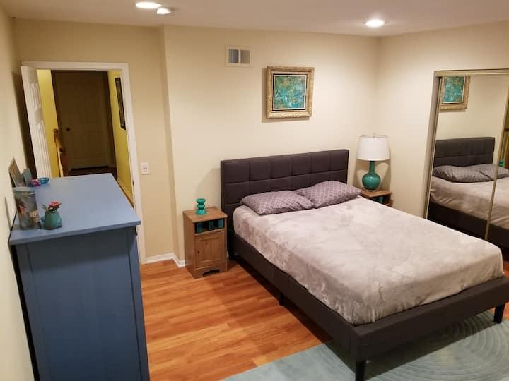 Prvt Bedroom in refurbished house by Warner Center
