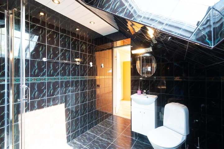 Lovely & clean room in Villa with lux bathroom